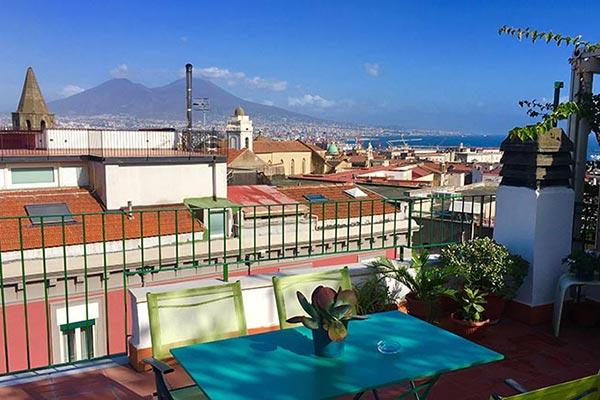 Bellini Mansarda In Naples In The Historic Center 2